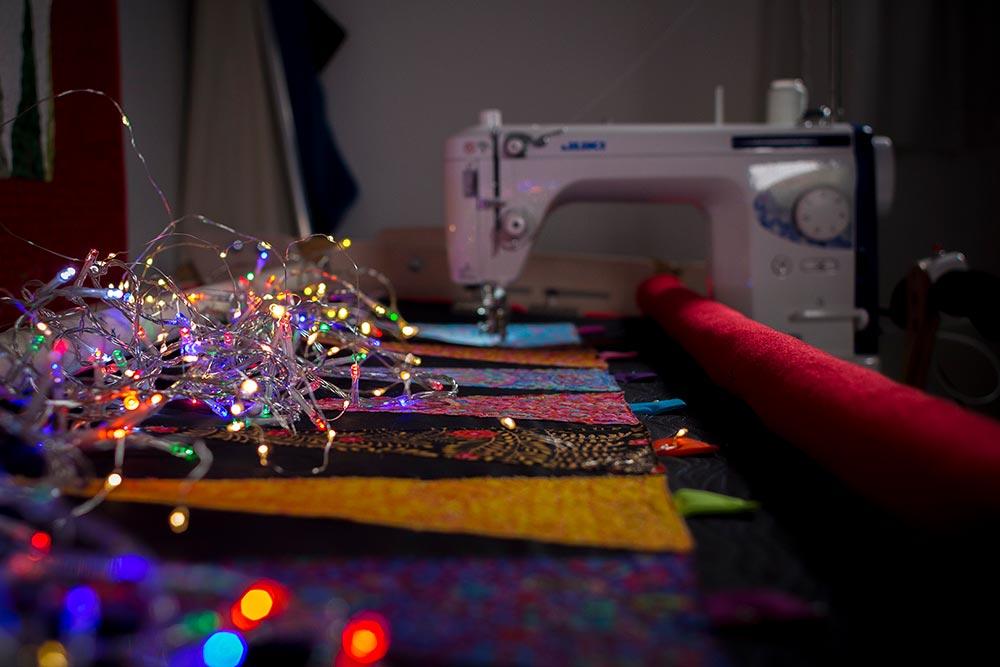 Merry & Bright Christmas Tree Table runner tutorial
