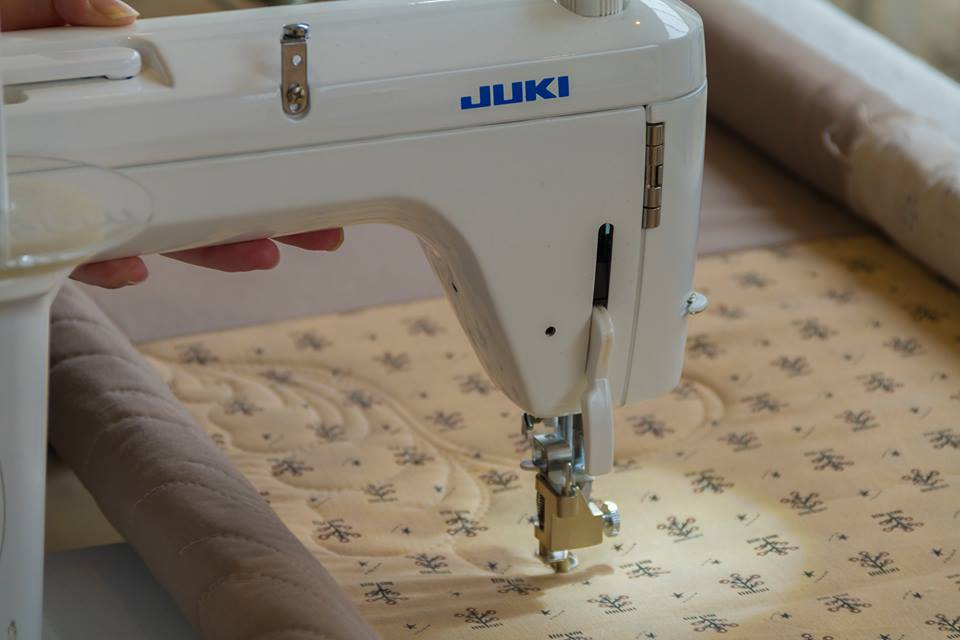 quilting detail with the Juki TL QVP Mini straight stitch