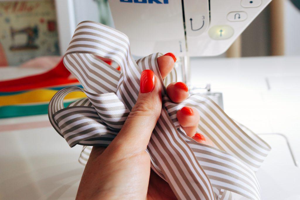 Making ribbon garland on the Juki DX7