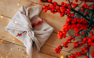 no-sew gift wrap